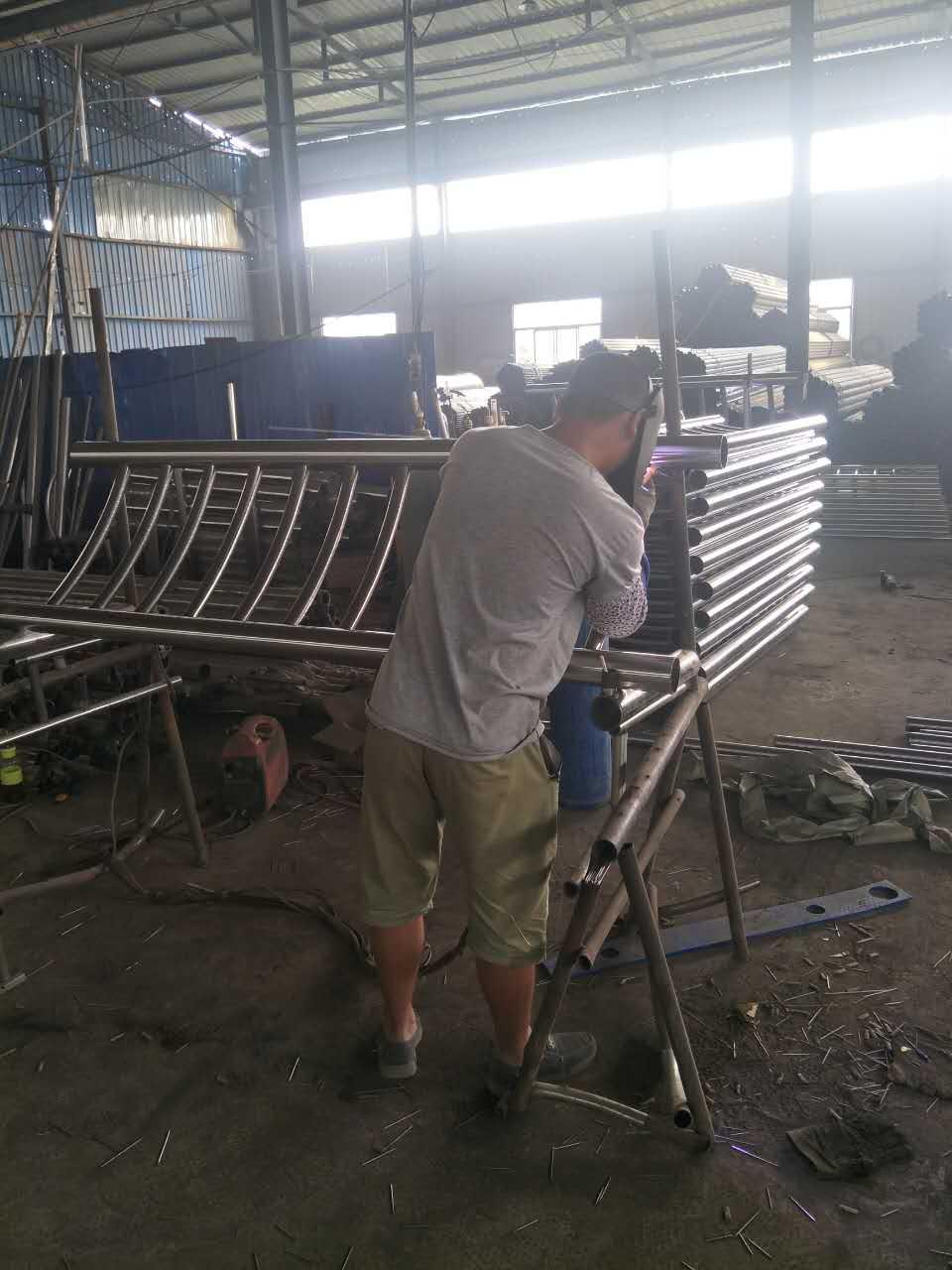 福安q235护栏钢板立柱