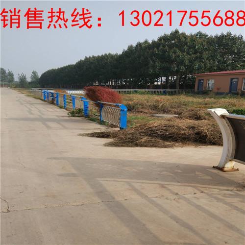 荆州护栏钢板立柱资讯