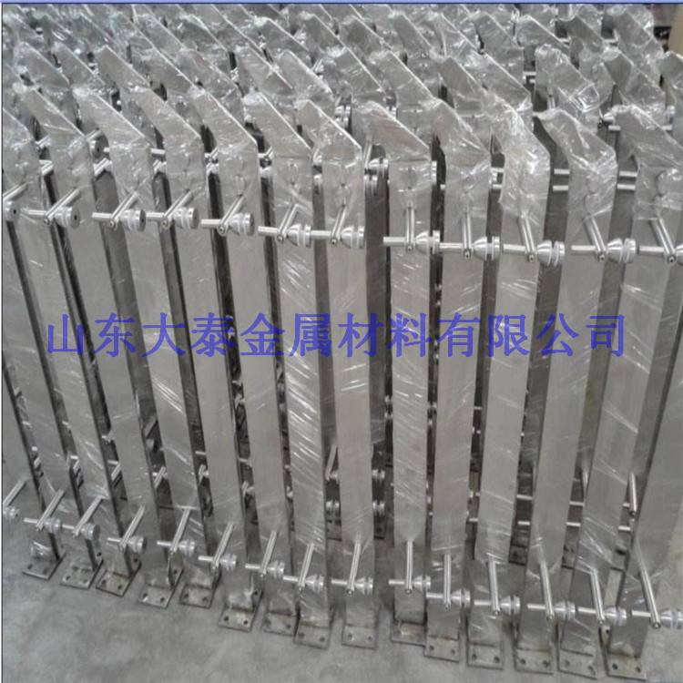 荆门护栏钢板立柱专供