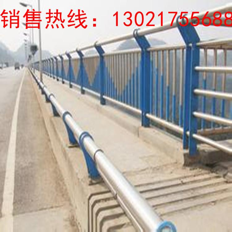 神农架护栏钢板立柱资讯