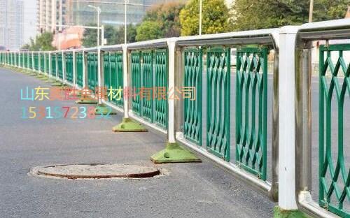 吐鲁番不锈钢桥梁护栏公司地址