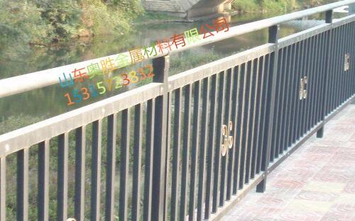 哈密不锈钢桥梁护栏产品资讯